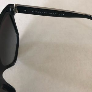 Burberry Accessories - Used Burberry sunglasses